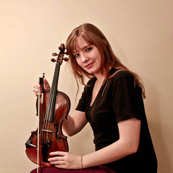 Aline Homzy
