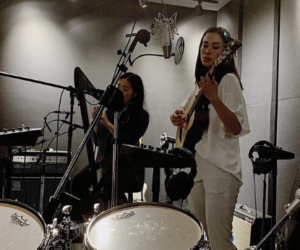Dreamy Vocalist, Estyr, And Her All-Female Band, Tiger Balme, Rehearse In The Digital Media Lab