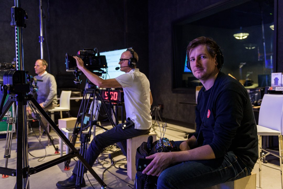 Behind-the-scenes Of Unikron's Livestreamed Webcast In The Digital Media Lab's VFX Studio
