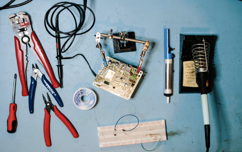 Toronto-based Artist, Lorena Salomé Teaches Introductory Electronics Using Arduino